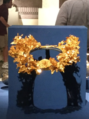 A golden crown I wore a long time ago